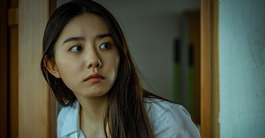 Review phim Nam sinh số 11 – Sự vắng mặt đầy kỳ lạ