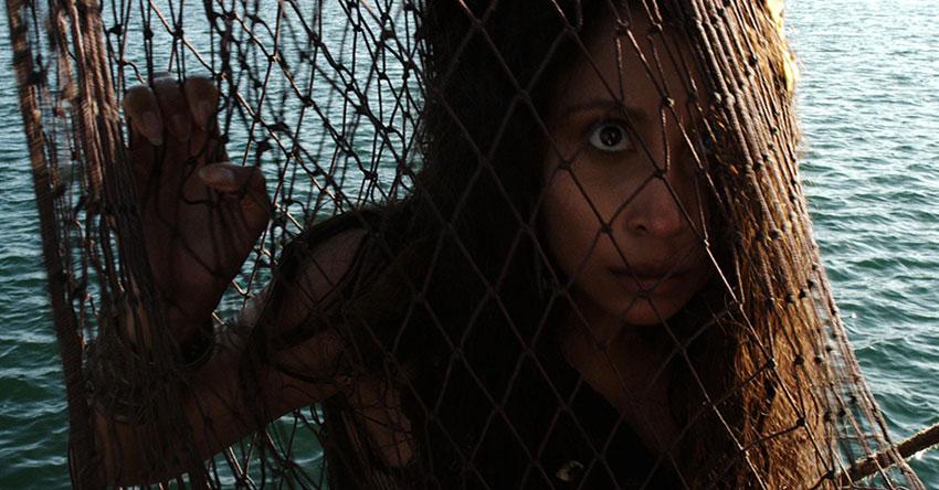 Review Phim Người cá báo thù – Câu chuyện khá lạ và thú vị