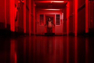 [Review] Chuyện kinh dị lúc nửa đêm – Không còn hù dọa hời hợt