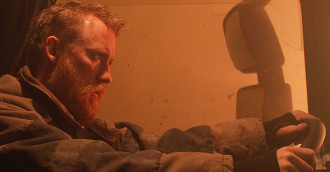 [Review] Đường hầm sinh tử - Khi thảm họa dồn con người vào đường cùng