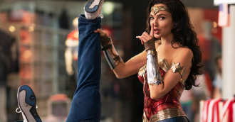 Review phim Wonder Woman 1984 – Nữ thần chiến binh trở lại